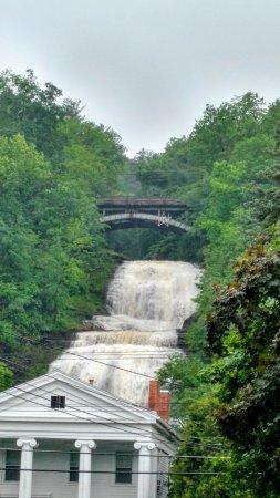Montour Falls, Estado de Nueva York: Beautiful Shequaga Falls