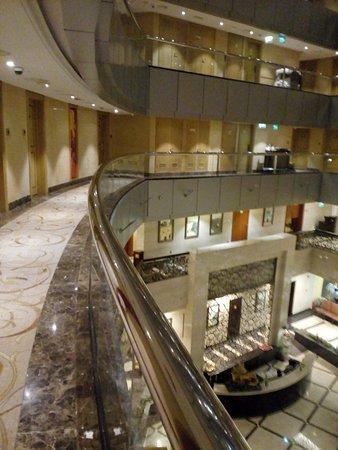 Foto de City Seasons Hotel