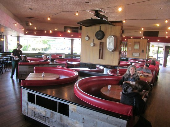 Corte Madera, Καλιφόρνια: Breakfast was served here