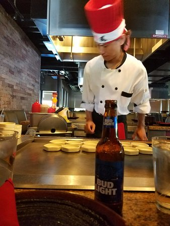 Osaka Hibachi and Sushi Bar: They put a little show for you is fun and interactive