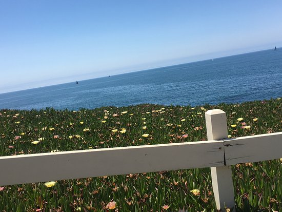 Montara Point Lighthouse