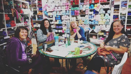 Big Bear City, CA: Monday morning Stitch-togethers