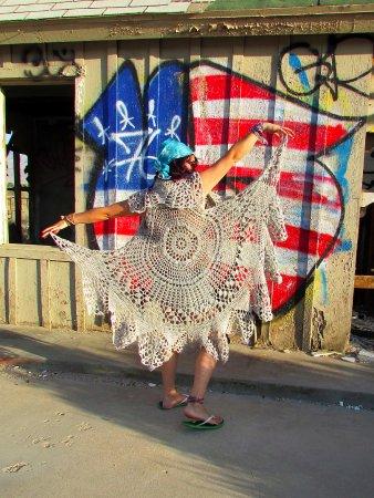 Big Bear City, Калифорния: Circualr crocheted vest