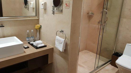 Ritan Hotel: 20170605_185732_large.jpg
