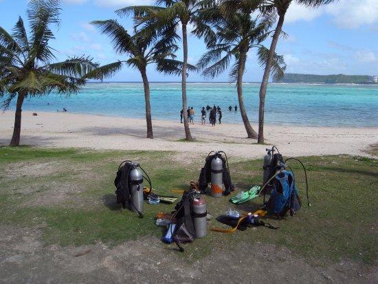 Piti, Mariana Islands: Beach Dive