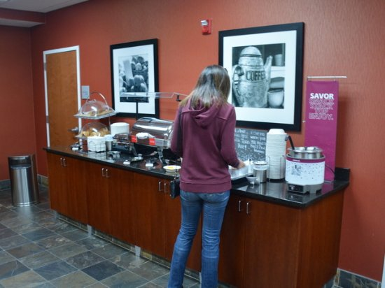 Hampton Inn & Suites Cashiers-Sapphire Valley: Hot food