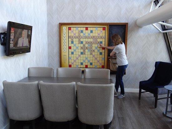 South Saint Paul, Миннесота: A giant Scrabble board!