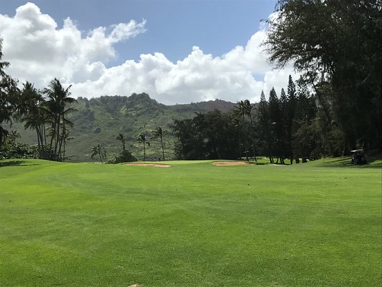 Wailua Golf Course : second shot to the 18th green