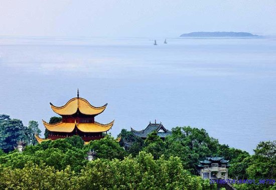 Yueyang, Kina: From the tower can we enjoy a panoramic view of the Dongting Lake.