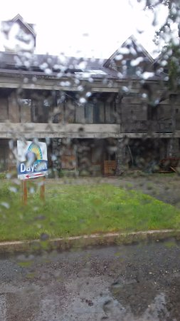 Days Inn Sturbridge : Exterior shot