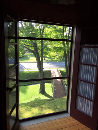 Central Lake, MI: Cherry room morning view with the french doors open