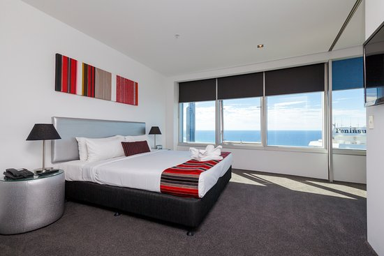 Q1 Resort And Spa 3 Bedroom Ocean Apartment Master