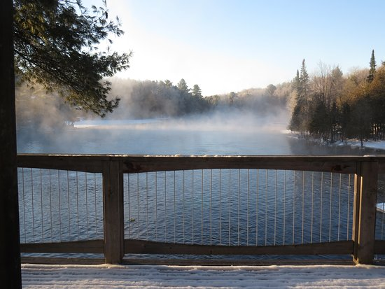 Sunny Rock Bed and Breakfast Minden: A morning view on the Drag River in the Haliburton Highlands