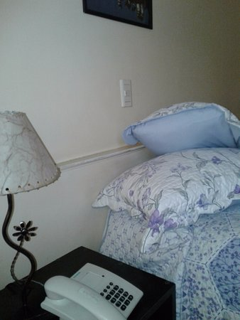 Hotel Tivoli: habitación con cama matrimonial, frente