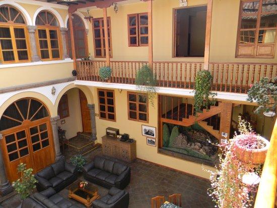 Hotel Los Andes de América: Pátio, visto da frente do meu quarto, Ap 206