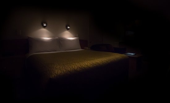 Whanganui, New Zealand: Night view of your bed