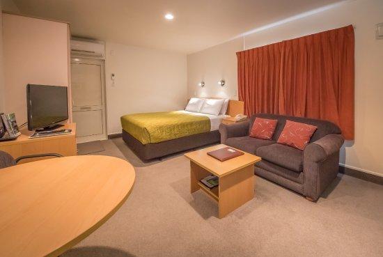 Whanganui, New Zealand: corporate studio
