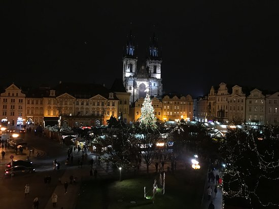 Hotel Lippert: View from Room 304 - the Christmas Markets with the largest Christmas tree in Czech Republic