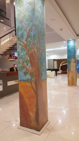 Hotel SERHS Rivoli Rambla: Empfabg