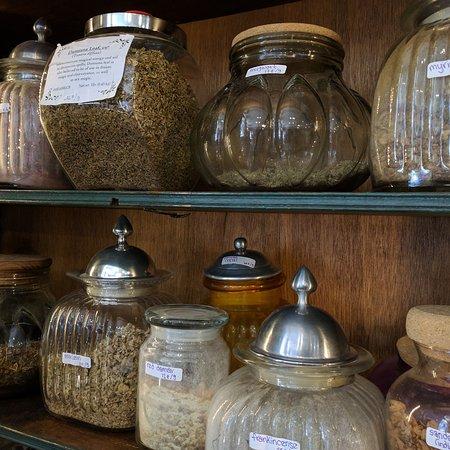 Nanaimo, كندا: Lobelia's Lair Metaphysical Treasures