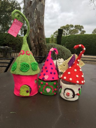 Mintaro, Australia: Preparing for our Fairies, Elves and Pixie picnic on Sunday of the October weekend, a popular we