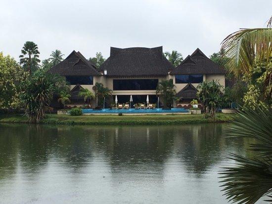 The Pool Spa Picture Of The Zuri Kumarakom Kumarakom Tripadvisor