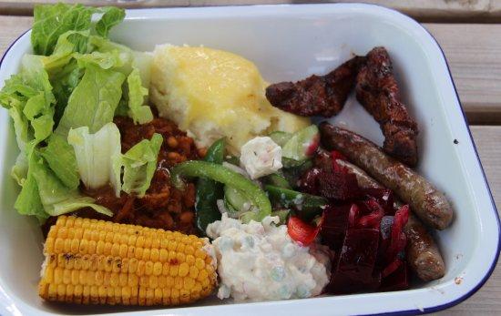 Matfield, UK: Braai Meat, Pap en Salads