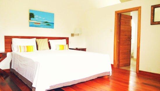 Beau Bassin - Rose Hill : La chambre Goyave qui se situe au deuxieme etage (Chambre double-Lit King-size)
