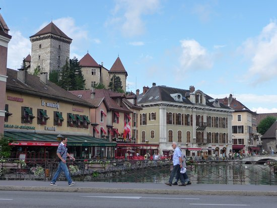"Château d'Annecy : Фортификационная ""доминанта"" Анси"