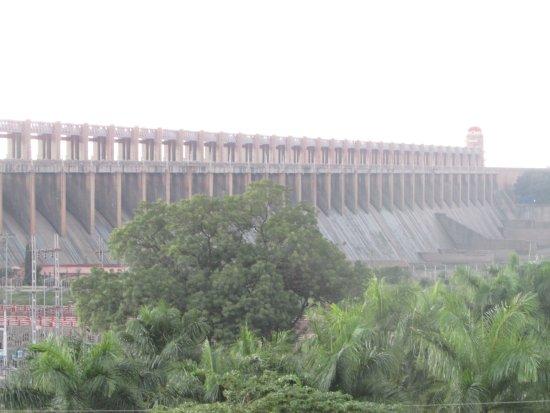 Tungabhadra Gardens and Dam