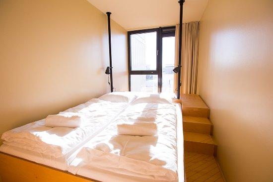 schlafbereich in einem doppelzimmer foto di dock inn