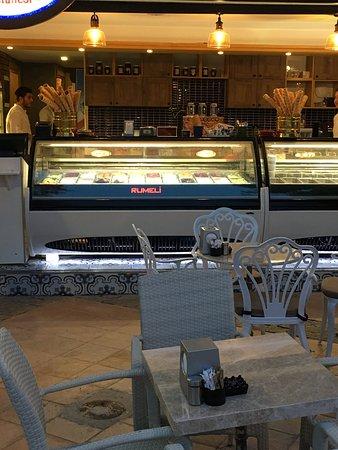 Rumeli Pastanesi: Manzaralı dondurma