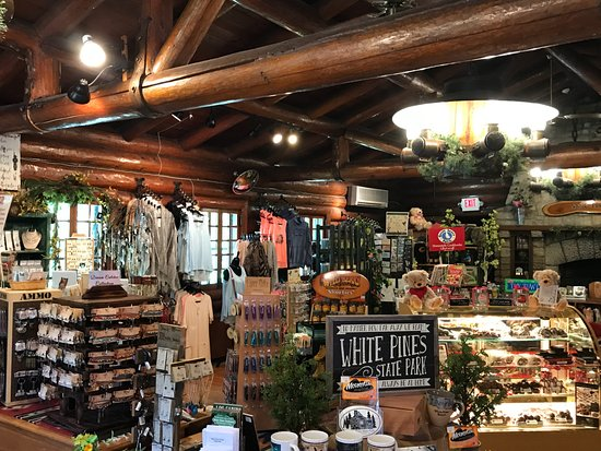 Mount Morris, IL: Gift shop in the CCC-built lodge