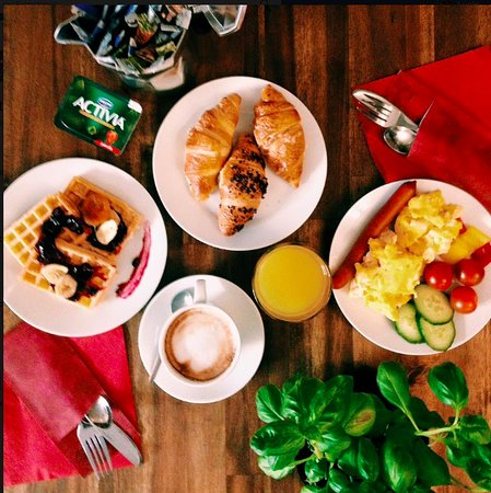 Dolce Vita Suites: breakfast