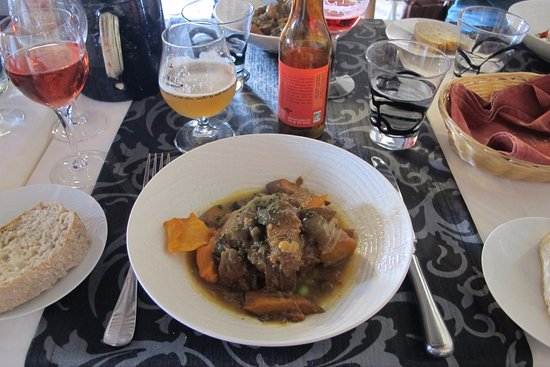 Le Poet-Laval, France: The 7 hour lamb - cooking time not eating!