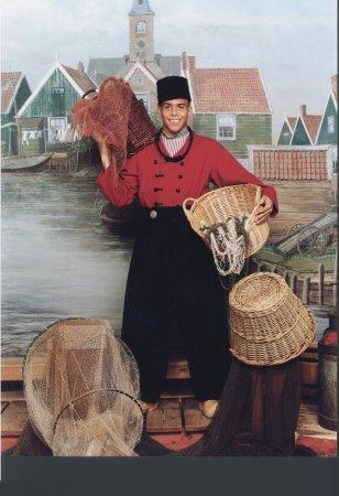 Goede Ronaldo op de foto in Volendamse klederdracht bij Zwarthoed NU-76