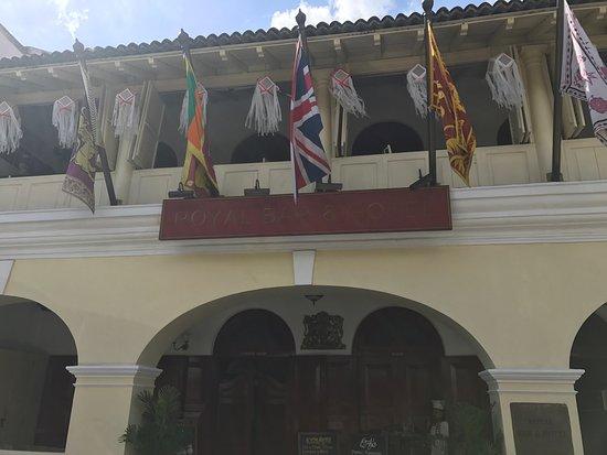 Royal Bar & Hotel Restaurant: photo4.jpg