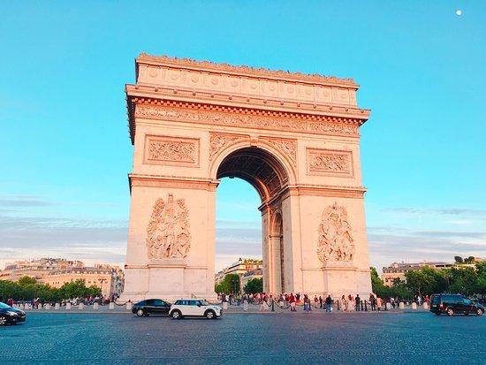De Arc de Triomphe (Triomfboog)