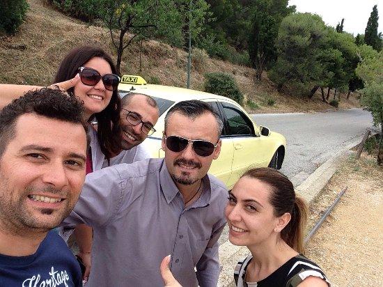 Lorenzo Athens Taxi Tour