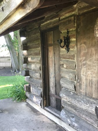 Dixon, IL: Detail at front of Old Settler's Cabin (near Lincoln Statue)