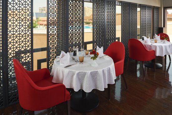 Roberto S Italian Restaurant An Upscale With A Contemporary Elegance And Sophistication