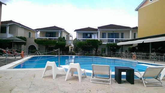 Alkyon Apartments & Villas Hotel: IMAG0374_large.jpg