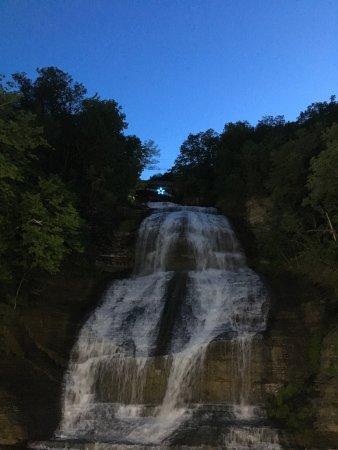Montour Falls, Estado de Nueva York: photo0.jpg
