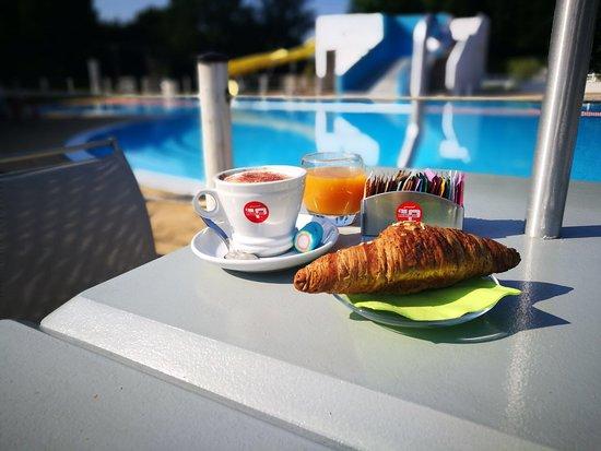 Bianconiglio Cafe