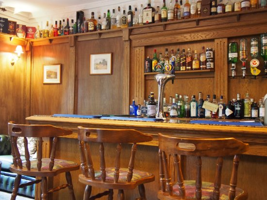 Wrangham House Hotel: Indoor Bar Area, Chill and Treat Yourself with a Drink