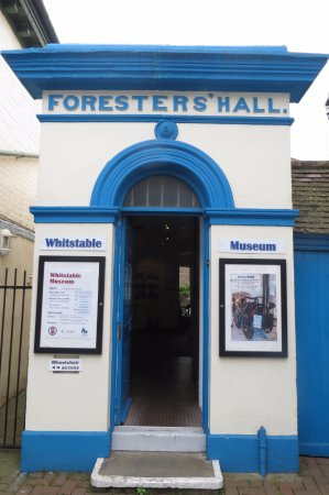 Whitstable Museum and Gallery: fontage