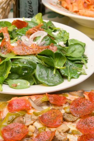 Columbia, IL: Pizza and Salad