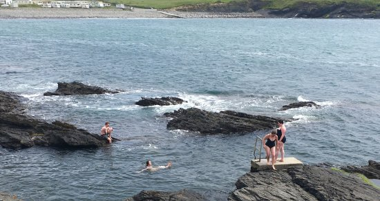 Miltown Malbay, Irlandia: Swimmer at the White Strand Beach