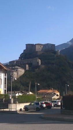 Bard, Italia: dal parcheggio alternativo :)