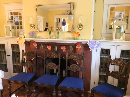 Heart Of Burlington Bed And Breakfast: Living Room Decorated And Ready For  Baby Shower
